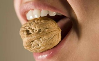 Трещины на зубах, характеристика, методы устранения