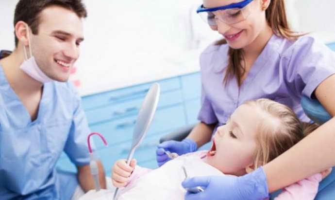 Хирургическое вмешательство при короткой уздечке