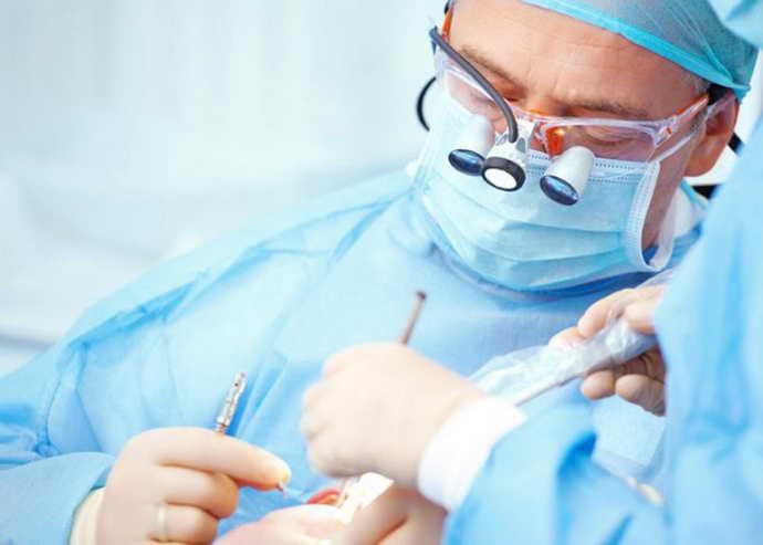Хирургические процедуры на деснах
