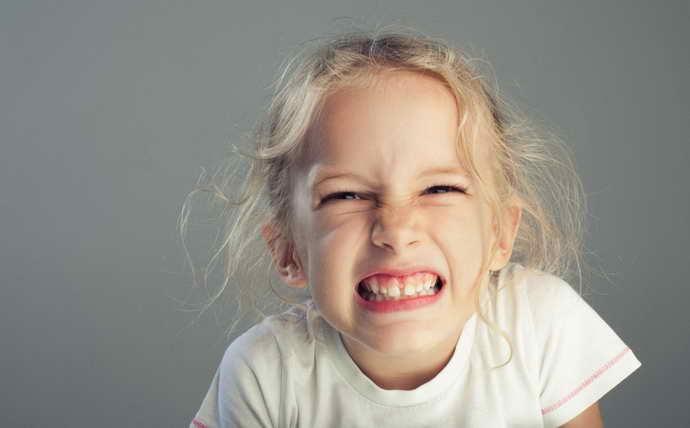 Скрежет зубами и боль кончика языка