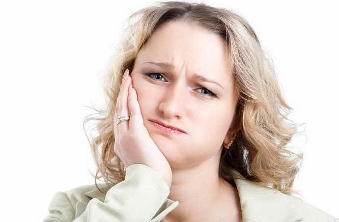 болит зуб под коронкой как понять