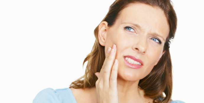 При нажатии болит зуб под пломбой