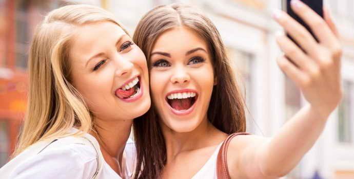 Виниры или коронки, что лучше для протезирования передних зубов?