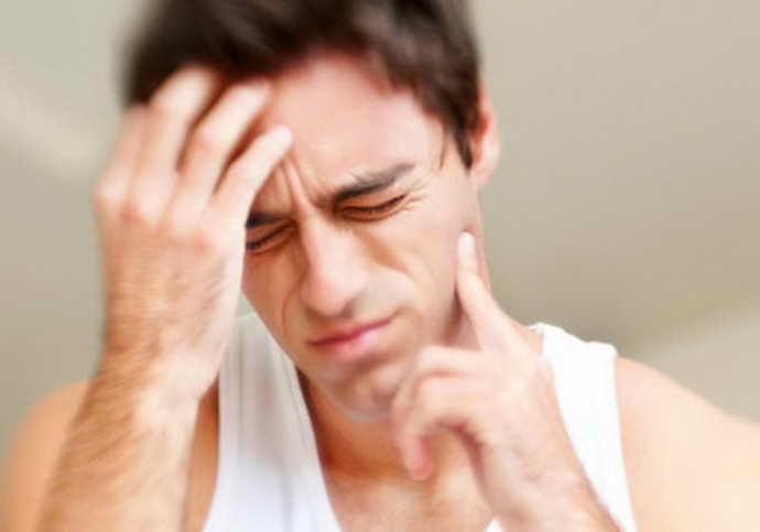 Первый признак флюса – острая зубная боль