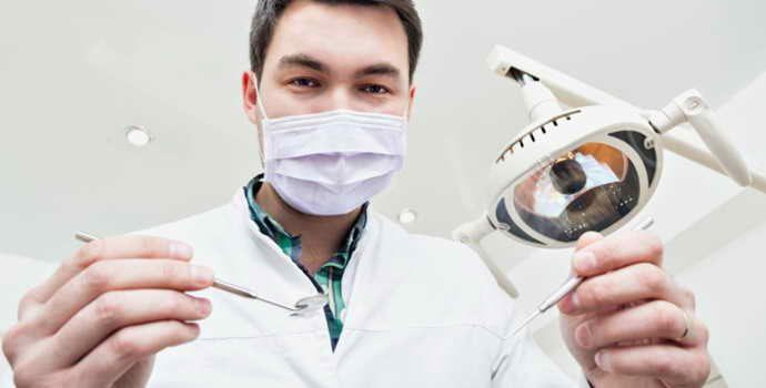 Флюс после удаления зуба – результат глубокого воспаления