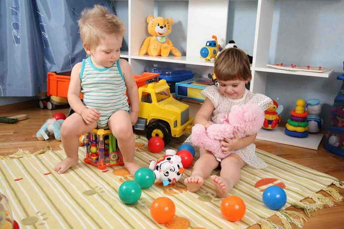 Если ребенок где-то подцепилгерпесный стоматит, нужно знать, что он заразен