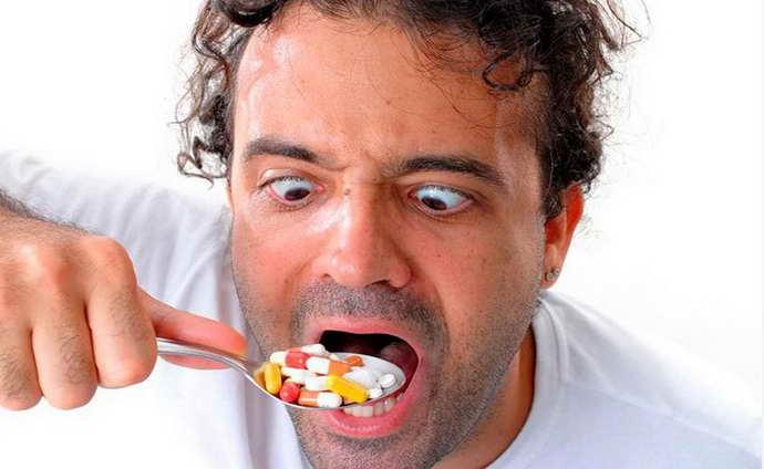 Почему стоматит становится постоянной