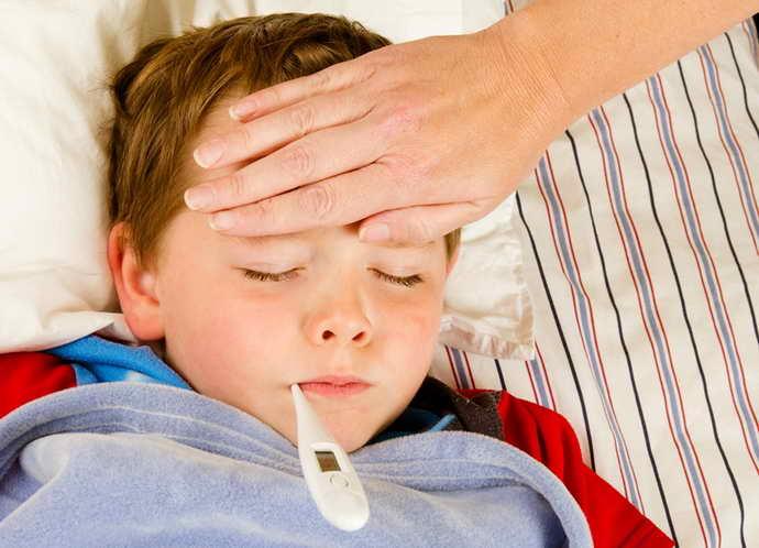 Чем опасен стоматит у ребенка
