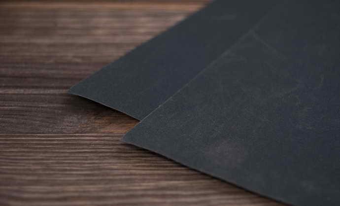 наждачная бумага либо напильник и кариес