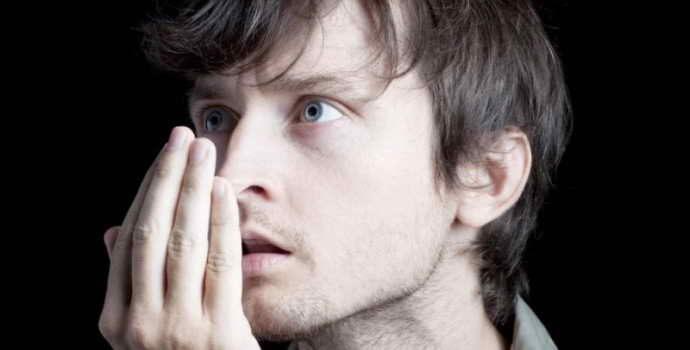 Способы, которые помогут узнать, есть ли неприятный запах изо рта