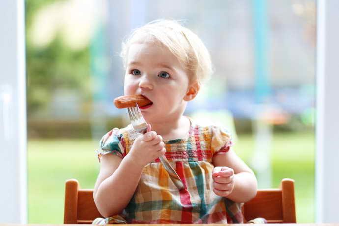 какую еду нельзя давать детям при запахе изо рта