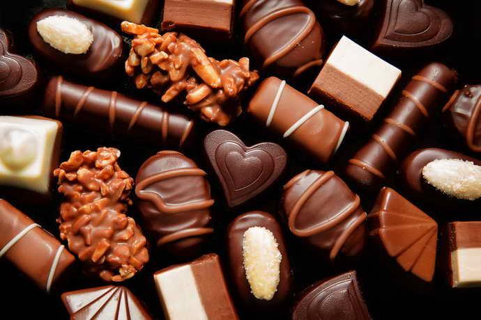Шоколад и коричневый налет на языке