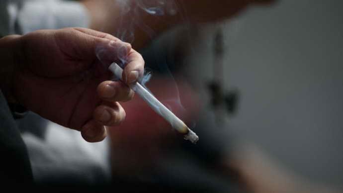 Курение может способствовать появлению пузырей в ротовой полости