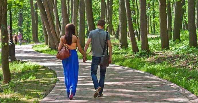 прогулки на свежем воздухе как профилактика сладковатого запаха изо рта