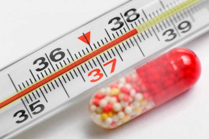 Сода при стоматите — как разводить, лечение у взрослых и детей