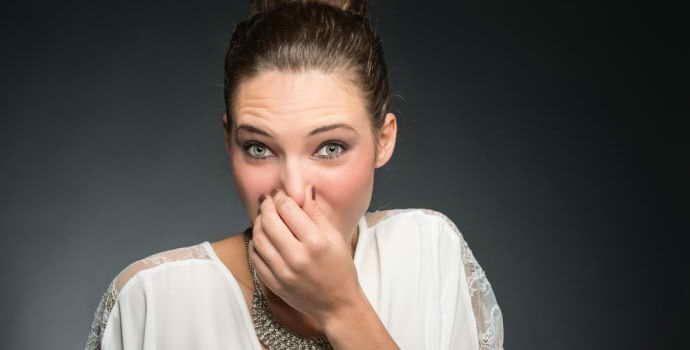 Сладковатый запах изо рта: причины, сопутствующие симптомы