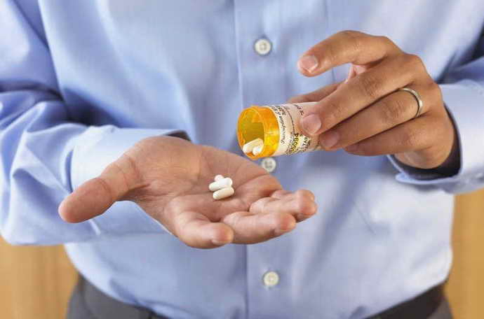 Перед операцией необходимо пропить курс антибиотиков