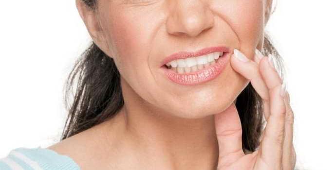 Растет и зудит что делать при воспалении десны около зуба мудрости