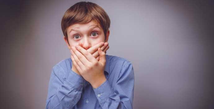 Причины запаха ацетона изо рта у ребнка и взрослого