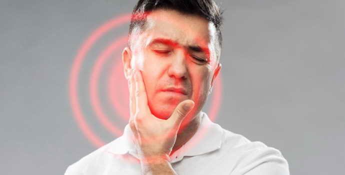 Запломбировали зуб, а он болит при жевании: причины, методы устранения боли