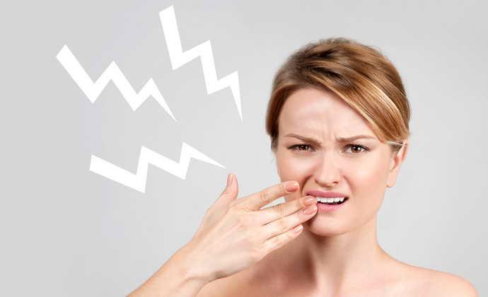 Боль в запломбированном зубеимеет разный характер